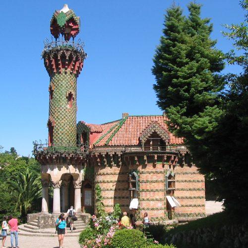 El Capricho de Gaudí: la belleza que encanta todos los sentidos