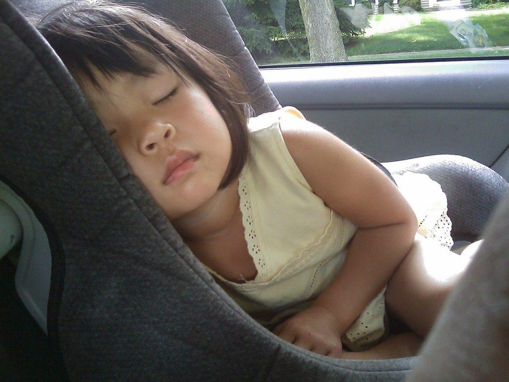 viajar-en-coche-con-niños