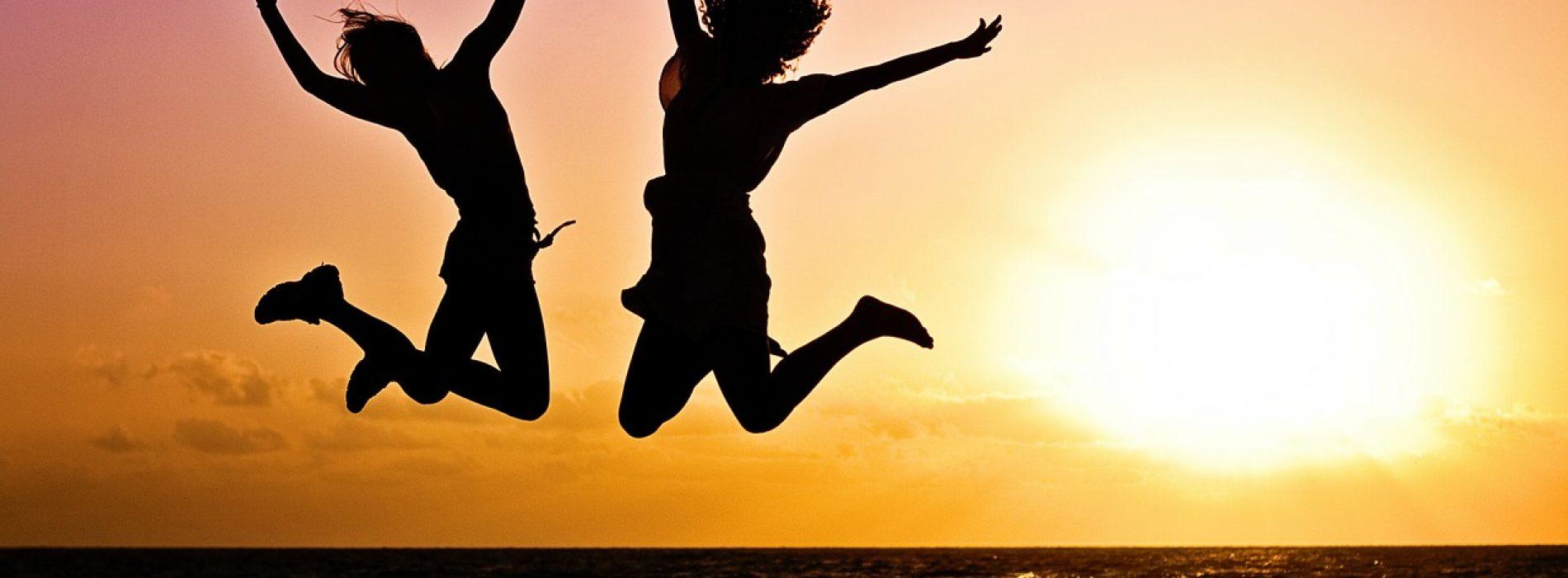 Razones por las que viajar te hace [muy] feliz