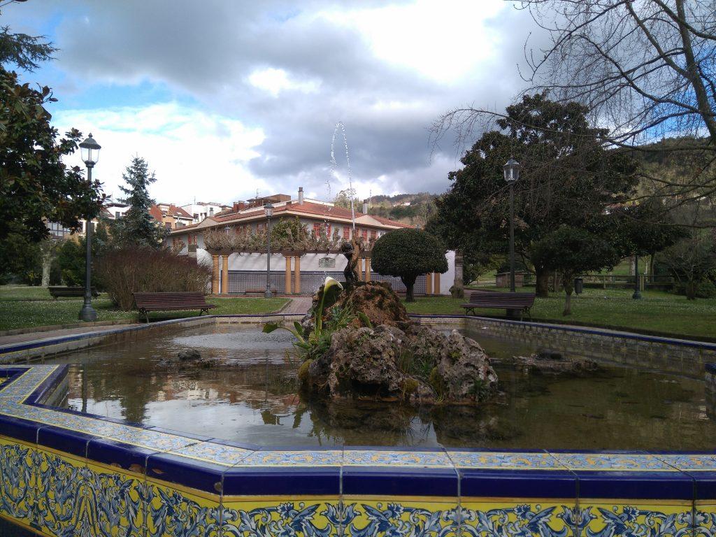 Estanque de patos en el Parque Ballina, en Villaviciosa