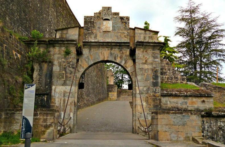 Las murallas de Pamplona son testigo de la historia de la ciudad.