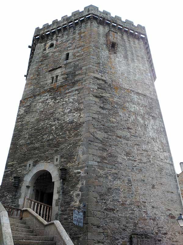 El parador, en la torre de los Andrade de Vilalba.