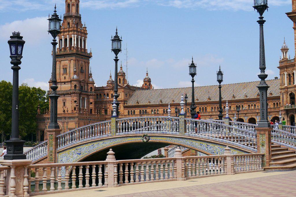 Puente de la Constitución en Sevilla