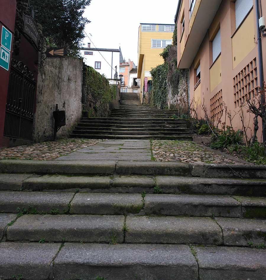 Escalera Mayor de Sarria que da acceso al casco histórico.