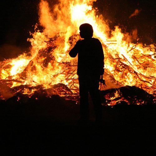 Rituales de la noche de San Juan en España