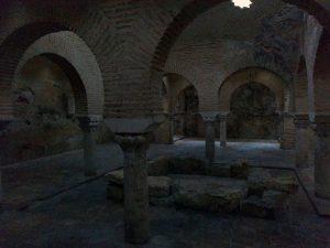 Interior de los baños árabes, Jaén