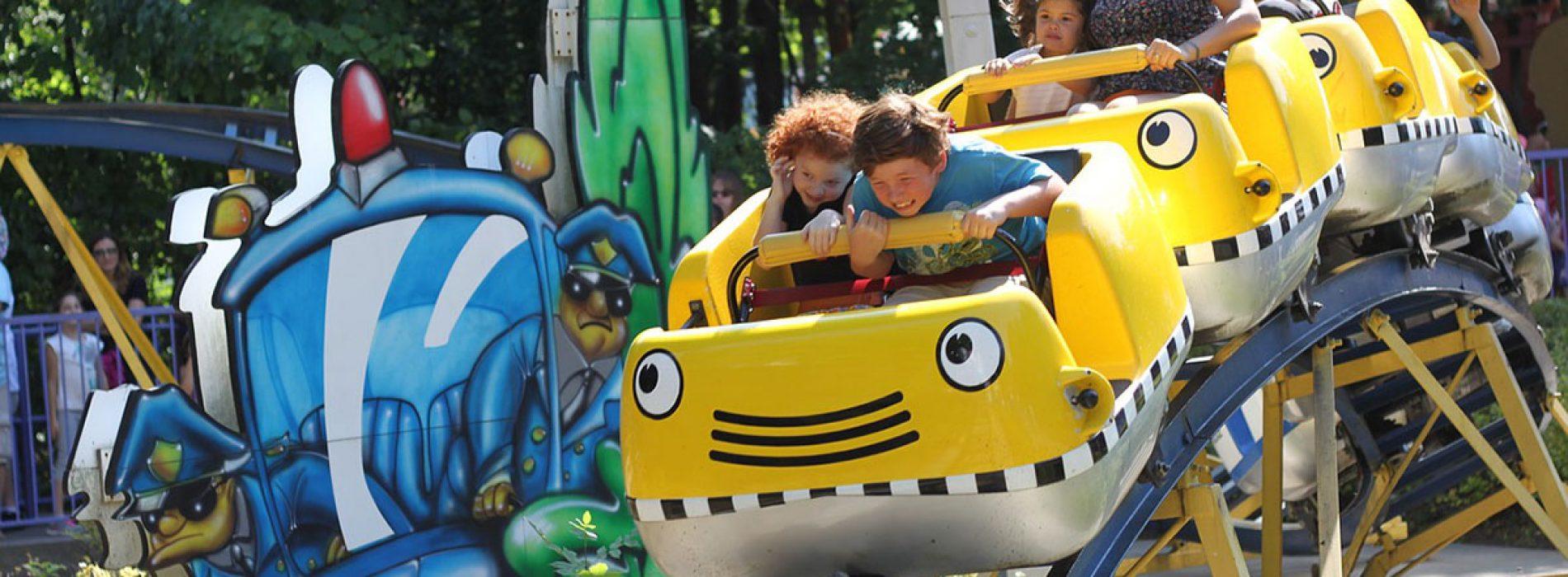 Parques de atracciones en España para disfrutar en familia