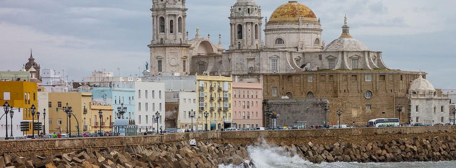 Conocer Cádiz en bici