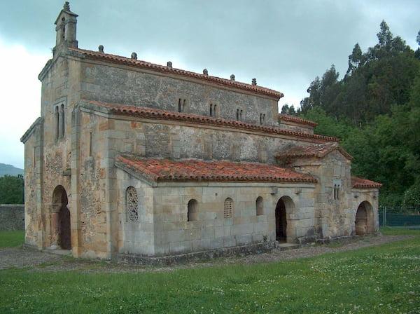 Iglesia de San Salvador de Valdediós en Villaviciosa