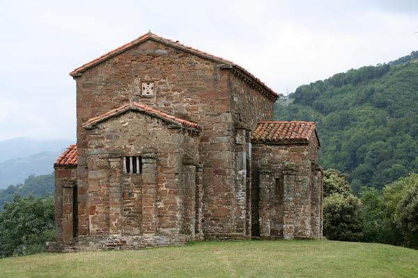 Iglesia de Santa Cristina de Lena en Pola de Lena